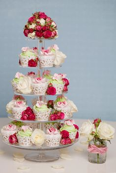 Rachelles Beautiful Bespoke Cakes cupcake tower