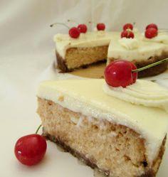 Macaron and cake: Třešňový cheesecake se zakysanou smetanou a čokolá...