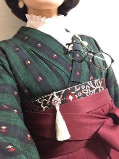 Yukata Kimono, Kimono Japan, Japanese Kimono, Winter Kimono, Kimono Fashion, Fashion Outfits, Vintage Outfits, Modern Kimono, Ethno Style