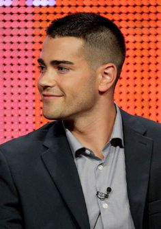 Jesse Metcalfe. | A Ranking Of The Hottest Buzz Cuts In Hollywood
