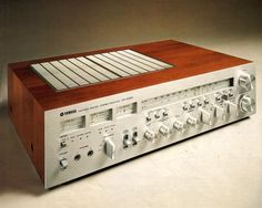 Classic Receivers YAMAHA CR-2020 (1977) http://www.1001hifi.com/classic-receivers.html