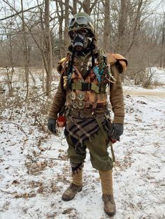 nuclear winter / wasteland cosplay for men /post apocalyptic / layering / military gear Post Apocalyptic Clothing, Post Apocalyptic Costume, Fantasy Rpg, Medieval Fantasy, Mad Max, Epic Cosplay, Cosplay Costumes, Military Post, Military Gear