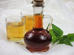Kopřivový sirup – Snědeno.cz Wine Decanter, Barware, Alcoholic Drinks, Frozen, Homemade, Bottle, Glass, Food, Gardening