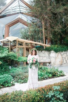 Beautiful boho bride at Wayfarers Chapel