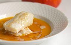 Hokaidosuppe med bagt torsk og nøddesmør