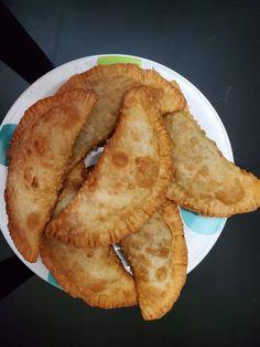 Une recette pour les jeunes de 7-18 ans! Suivez le lien pour une vidéo vous montrant la recette! Beignets, Pancakes, Breakfast, Ethnic Recipes, Food, Pastries, Recipe, Kitchens, Morning Coffee