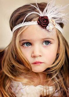 38 Super Cute Little Girl Hairstyles for Wedding Little Flower Girl with Feather Crown Cute Little Girls, Cute Kids, Beautiful Children, Beautiful Babies, Gorgeous Girl, Beautiful Flowers, Adorable Petite Fille, Feather Crown, Cute Little Girl Hairstyles