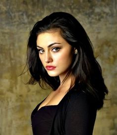 Phoebe Tonkin❤️ Deff be my woman crush shes beautiful! and an awsome actor