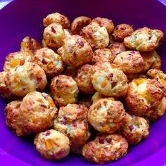 Fingerfood - herzhaft & süß Pizza balls, a delicious recipe from the finger food category. Pizza Snacks, Party Snacks, Pizza Recipes, Snacks Recipes, Chef Recipes, Grilling Recipes, Pizza Ball, Pizza Pizza, Party Finger Foods