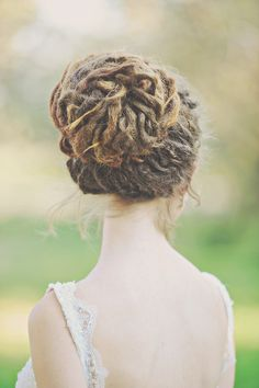 Love the waves she has in her dreads it makes the whole thing look so cute Dreadlock Hairstyles, Messy Hairstyles, Wedding Hairstyles, Wedding Updo, Hairdos, Dreadlock Styles, Dreads Styles, Dreadlock Products, Dreadlock Extensions