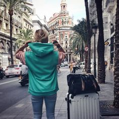 @luisalion with her MILAN Rosegold on a weekend trip in Valencia  #windandvibes #MyTripMyStyle