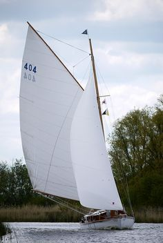 Classic Gaffer ( White Swan ) on the Norfolk Broads
