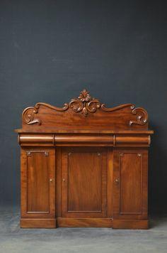 ~ Small Victorian Mahogany Sideboard ~ antiques-atlas.com