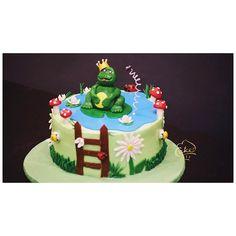 We bet you can't find a sweeter frog in your pond! So get croaking, caked style 🐸 . .  #customisedcakes #cakedindia #beautifulcakes #photorealisticfigurines #specialcakes  #foodbloggers #frogcake  #technologyandfood #cakepops #designedcaketable #cakeelements #foodtalkindia #uniquecakes  #birthdaycakes #buzzfeedindia #fondantmagic #getcaked #edibleflowers #cakeworld #indianfoodbloggers  #cakesforsoul #foodbloggers #birthdaycakes #bloggercakes #weddingplanner #weddingdetails #weddingfood…