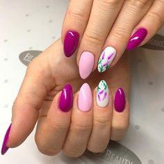 Skoro pogoda jeszcze nie rozpieszcza to my Was rozpieścimy pięknymi pazurkami!  Użyte kolorki w tej stylizacji  to: 001, 034, 056 + ręczne zdobienie Jak Wam się podoba?  @kamila_nicpon  Inspiracje pazurkowe znajdziecie również na naszym snapie: semilac    #semilac #nails #manicure #nailfie #colours #spring #flowers #hand #semigirls #mardigras #pinksmile #snapchat