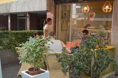 Contento Café, en Montevideo, Uruguay. Un lugar para pausar la tarde con un rico café y unos buenos scons u algún que otro budín...(por más info: www.lacitadina.co...)