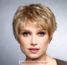 Coupe cheveux court visage rond femme