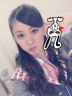 """Kei Jonishi """"収録前、髪型迷って お母さんとれなにLINEしたの(°_°)  結局返事こなくてハーフアップにしたら れなからはストレートでお母さんからはなんとハーフアップ!!!!  れなに送りつけた完成写真だから偉そうな顔!笑Punch  #川上西"""""""