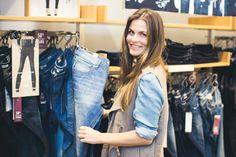 WE Fashion - Blue Ridge denim event - Well-known stylist Maartje van den Broek hosted a denim workshop for six Dutch top bloggers about Blue Ridge denim.