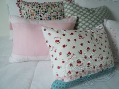 Almofada decorativa cerejinhas