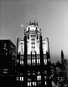 """Chicago Tribune Tower, 1920s (From photogallery """"Chicago's defining moments: 1840-1963"""" trib.in/mVZ3Qp)"""