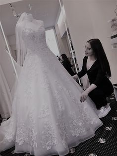 Duygu Balci #brautmodentirolteam #brautmodentirol Lace Wedding, Wedding Dresses, Fashion, Wedding Dress Lace, Gowns, Bride Dresses, Moda, Bridal Gowns, Fashion Styles
