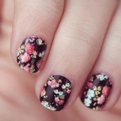 Dark floral mani