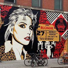 Graffiti mastermind Shepard Fairey just unveiled a new mural in NYC Debbie Harry, Murals In Nyc, Monstre Du Loch Ness, Shepard Fairey Art, Pop Art, Kids Clothing Brands List, Best Rain Jacket, Art Du Monde, No Rain