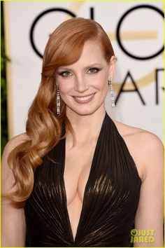 Golden Globes Best Dressed: Jessica Chastain in an Atelier Versace halter gown and Piaget earrings #GoldenGlobes2015