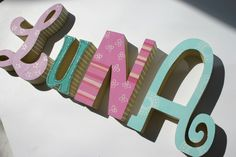 Holzbuchstaben kinderzimmer pinterest holzbuchstaben for Holzbuchstaben babyzimmer