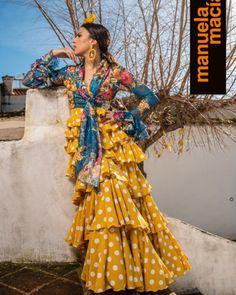 Spanish Dancer, Belly Dancers, Designer Dresses, High Fashion, Look, Kimono Top, Dressing, Seville, How To Wear