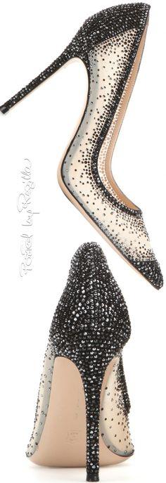 ✦ The Socialite's Shoes {a peak into Ms. Socialite's shoe closet. Please don't drool} ✦ Regilla ⚜ Gianvito Rossi