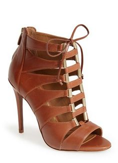 leather lace up sandal http://rstyle.me/n/vk8q6pdpe