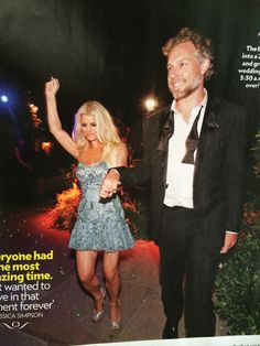 Jessica Simpson Works Out In Front Of Eric Johnson S Nfl Shirt Shirts Faces And Articles