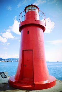 Faro rosso a La Spezia - Movingitalia.it