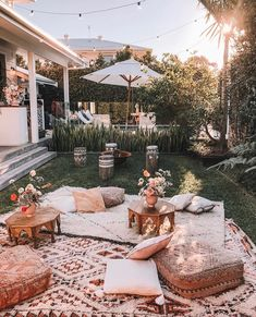 Cozy backyard set-up. Cozy backyard set-up. Cozy Backyard, Backyard Seating, Backyard Picnic, Backyard Beach, Cozy Patio, Picnic Area, Outdoor Spaces, Outdoor Living, Outdoor Decor