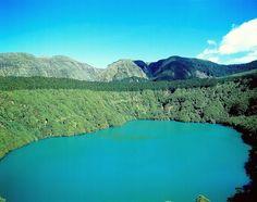 Lagoa de Santiago - Ponta Delgada, Ilha de São Miguel, Açores (Portugal).  A Lagoa de Santiago é uma lagoa portuguesa, localizada na ilha açoriana de São Miguel, arquipélago dos Açores, no município de Ponta Delgada e está relacionada com a formação vulcânica do Maciço das Sete Cidades.