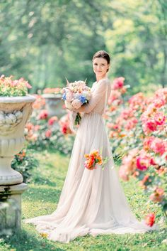 The beautiful bride wears off white wedding dress & The prettiest wedding portrait Spot we ever did see