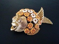 Sign-HAR-Vintage-Brooch-Pin-Figural-Fish-Tropical-Enamel-Missing-Rhinestone-212