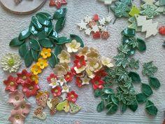 jede Menge Blumen u.Blätter, bereit für Lavendelsäckchen