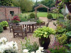 bonita decoración patio rustico
