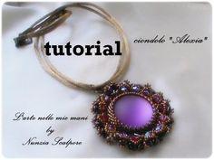 Free video beading tutorial: Alexia pendant. DIY tutorial ciondolo Alexia - YouTube