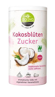 Der Agava Kokosblütenzucker ist eine vielseitig einsetzbare Alternative zu Haushaltszucker mit einer karamelligen Note.\n Kokosblütenzucker ist ein Naturprodukt. In der asiatischen Küche gehört er zu den wichtigsten, natürlichen Süßungsmitteln und wird gerne zum Abrunden von exotischen Köstlichkeiten, Dressings und Wok-Gerichten verwendet. Der normale Haushaltszucker kann 1:1 durch Kokosblütenzucker ersetzt werden. Jedoch hat er einen sehr intensiven, karamelligen Eigengeschmack. -…
