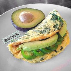 Happy St Patrick's Day . Spinach Omelette with sliced Jalapeño and Avocado. Start this day with a kick!!!  #food #foodie #foodporn #healthy #Padgram