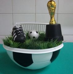 Resultado de imagem para lembrancinha para festa futebol