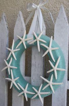 Starfish Yarn Wreath  DIY @Crafts Unleashed.com walking on sunshine:-)