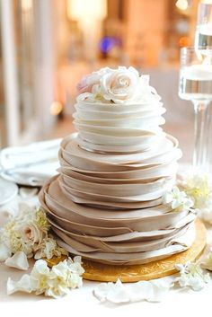 30 Fantastic Ombre Wedding Cakes � ruffle and flowers ombre bridal cakes 5 #weddingforward #wedding #bride