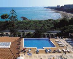 Vistas de la piscina y de la playa de Benicàssim