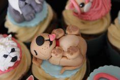 Fondant puppy dog cupcake topper.
