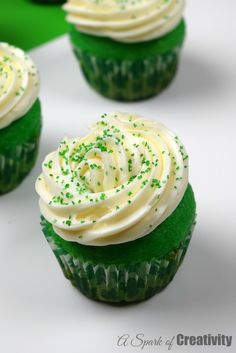 Saint Patricks Day green Cupcakes - A Spark of Creativity